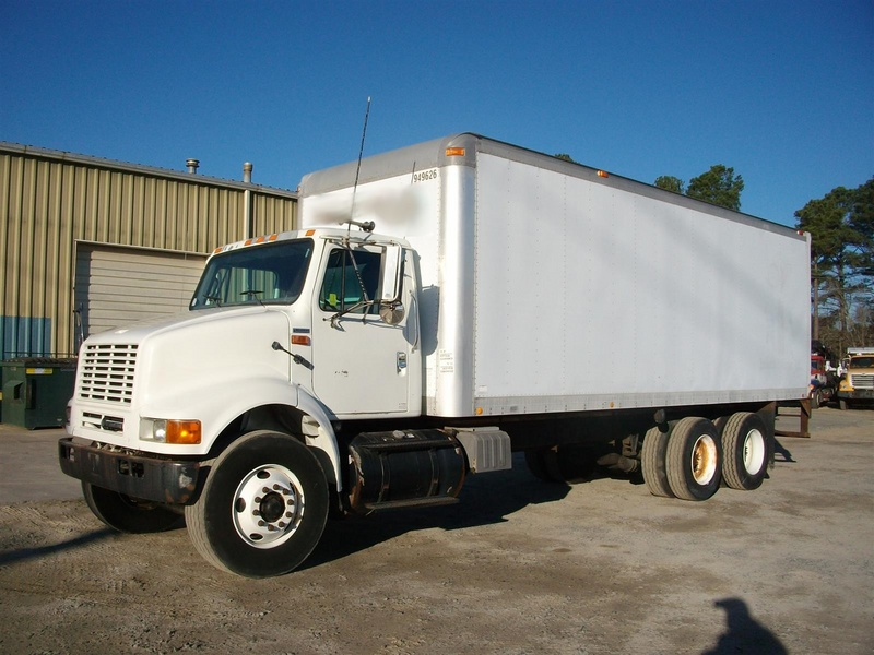 USED 2002 INTERNATIONAL 8100 BOX VAN TRUCK #1297