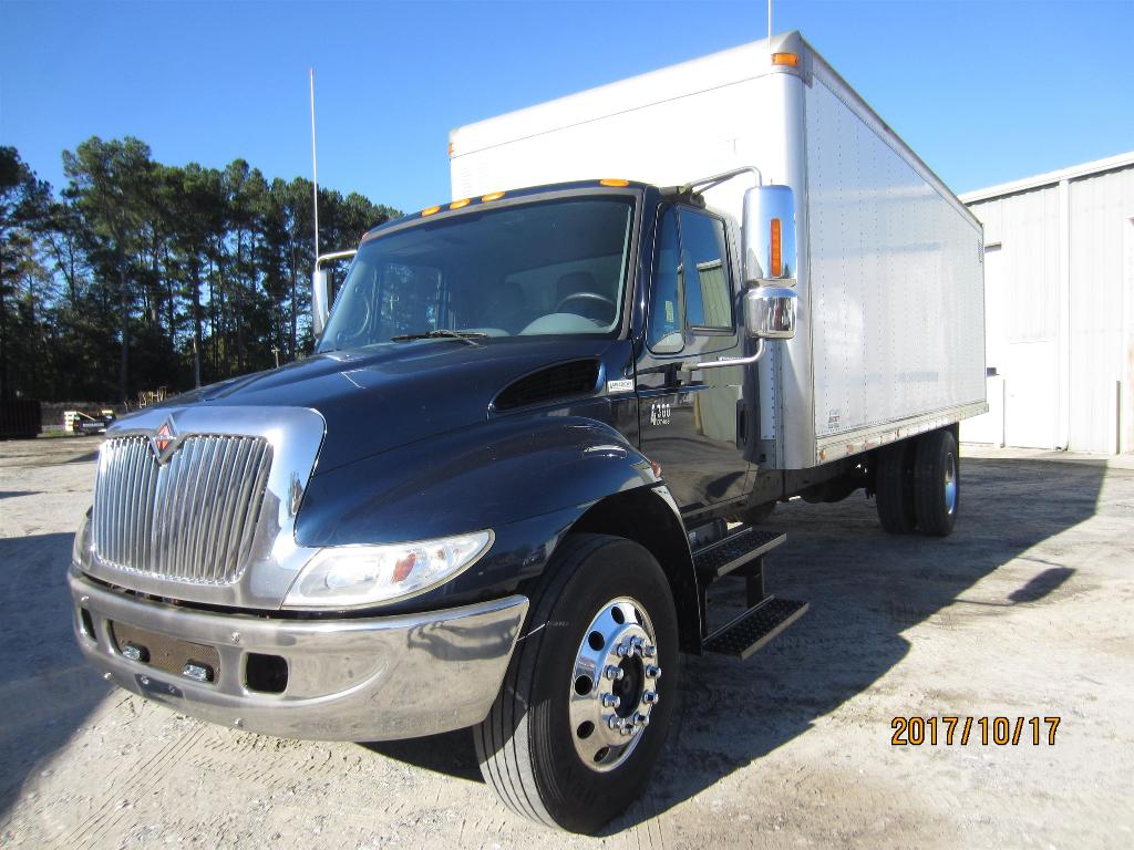 USED 2002 INTERNATIONAL 4300 BOX VAN TRUCK #1313