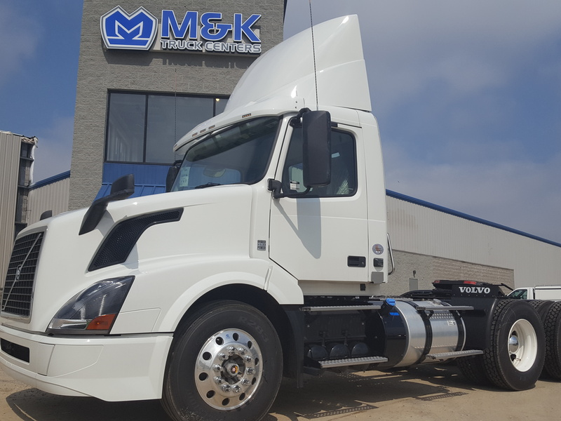 NEW 2016 VOLVO VNL300 TANDEM AXLE DAYCAB TRUCK #282602