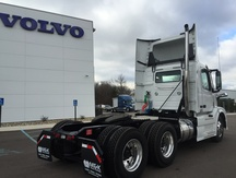 NEW 2017 VOLVO VNL300 TANDEM AXLE DAYCAB TRUCK #284021-4