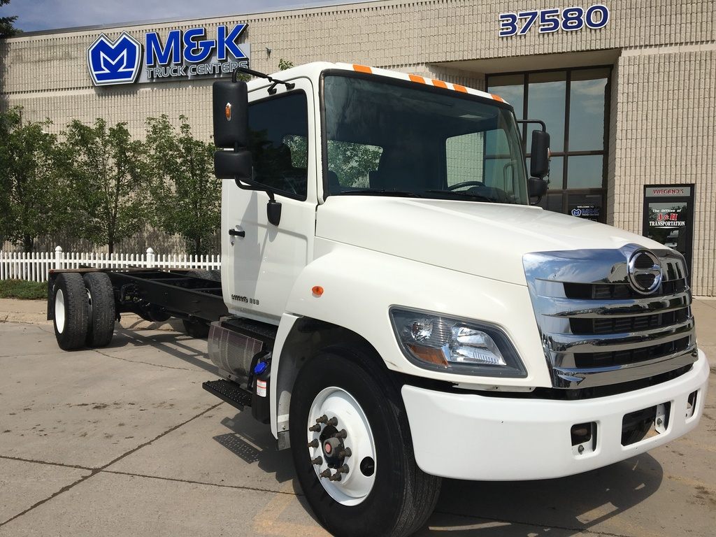USED 2014 HINO 268 CAB CHASSIS TRUCK #286820
