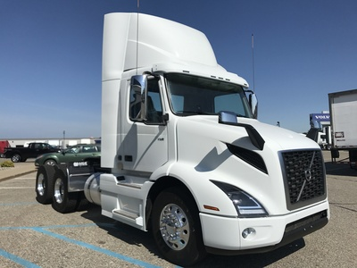 NEW 2018 VOLVO VNR300 TANDEM AXLE DAYCAB TRUCK #287353-2
