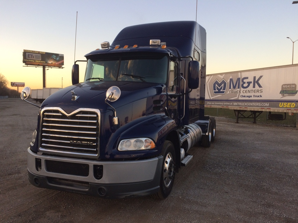 USED 2014 MACK CXU613 TANDEM AXLE SLEEPER TRUCK #287637