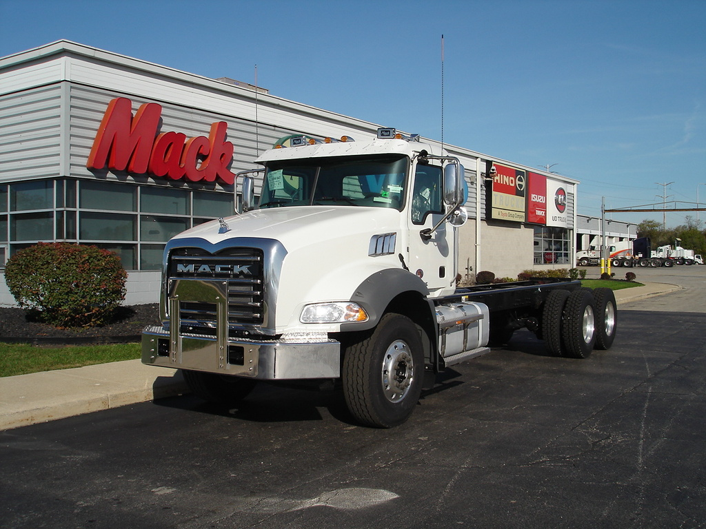 NEW 2018 MACK GU813 CAB CHASSIS TRUCK #287713