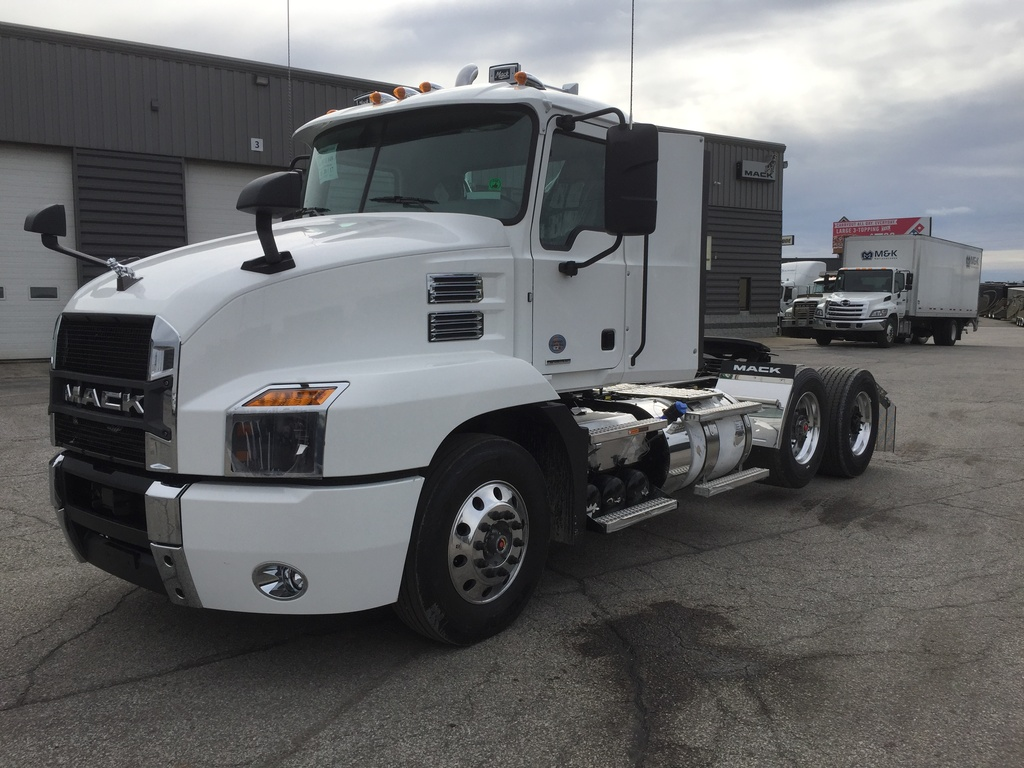 NEW 2018 MACK ANTHEM 62T TANDEM AXLE DAYCAB TRUCK #287735