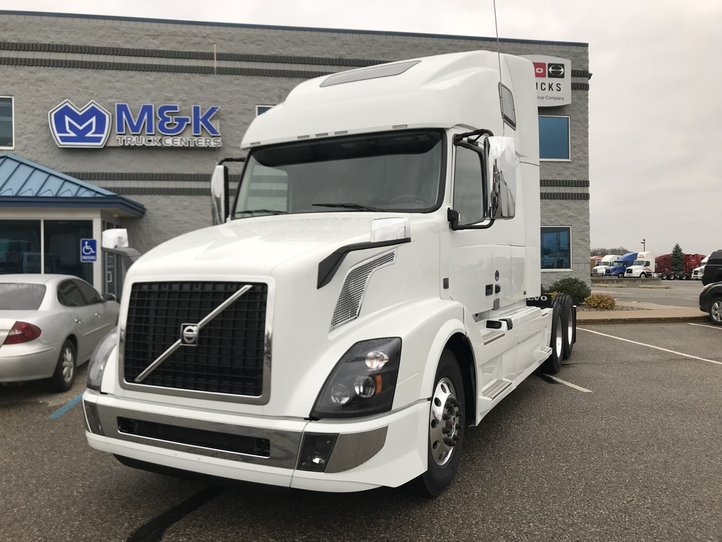 NEW 2018 VOLVO VNL670 TANDEM AXLE SLEEPER TRUCK #287803