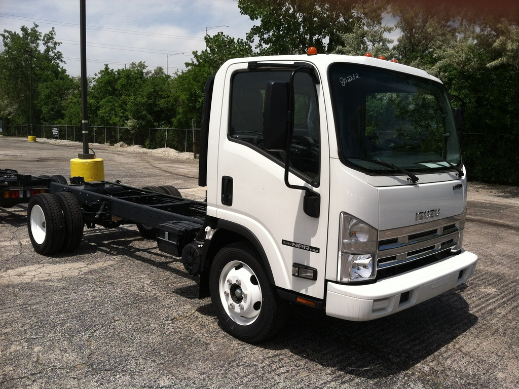 NEW 2017 ISUZU NPR-HD GAS CAB CHASSIS TRUCK #288008