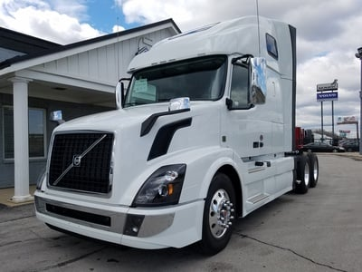 NEW 2018 VOLVO VNL670 TANDEM AXLE SLEEPER TRUCK #288212-1
