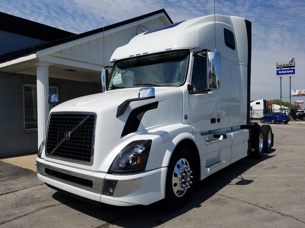 NEW 2018 VOLVO VNL670 TANDEM AXLE SLEEPER TRUCK #288215