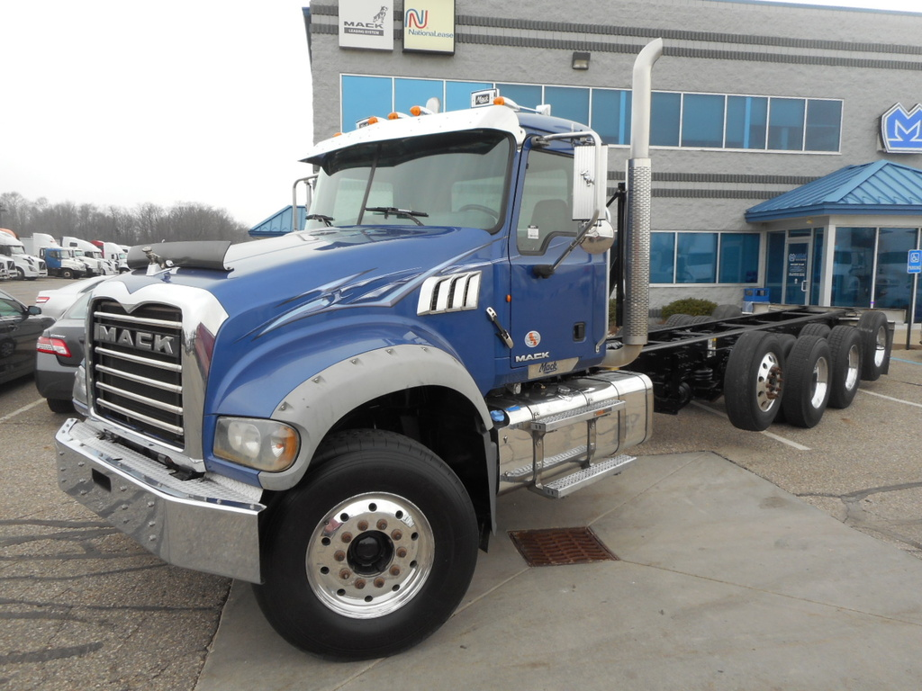 USED 2012 MACK GU713 CAB CHASSIS TRUCK #288526