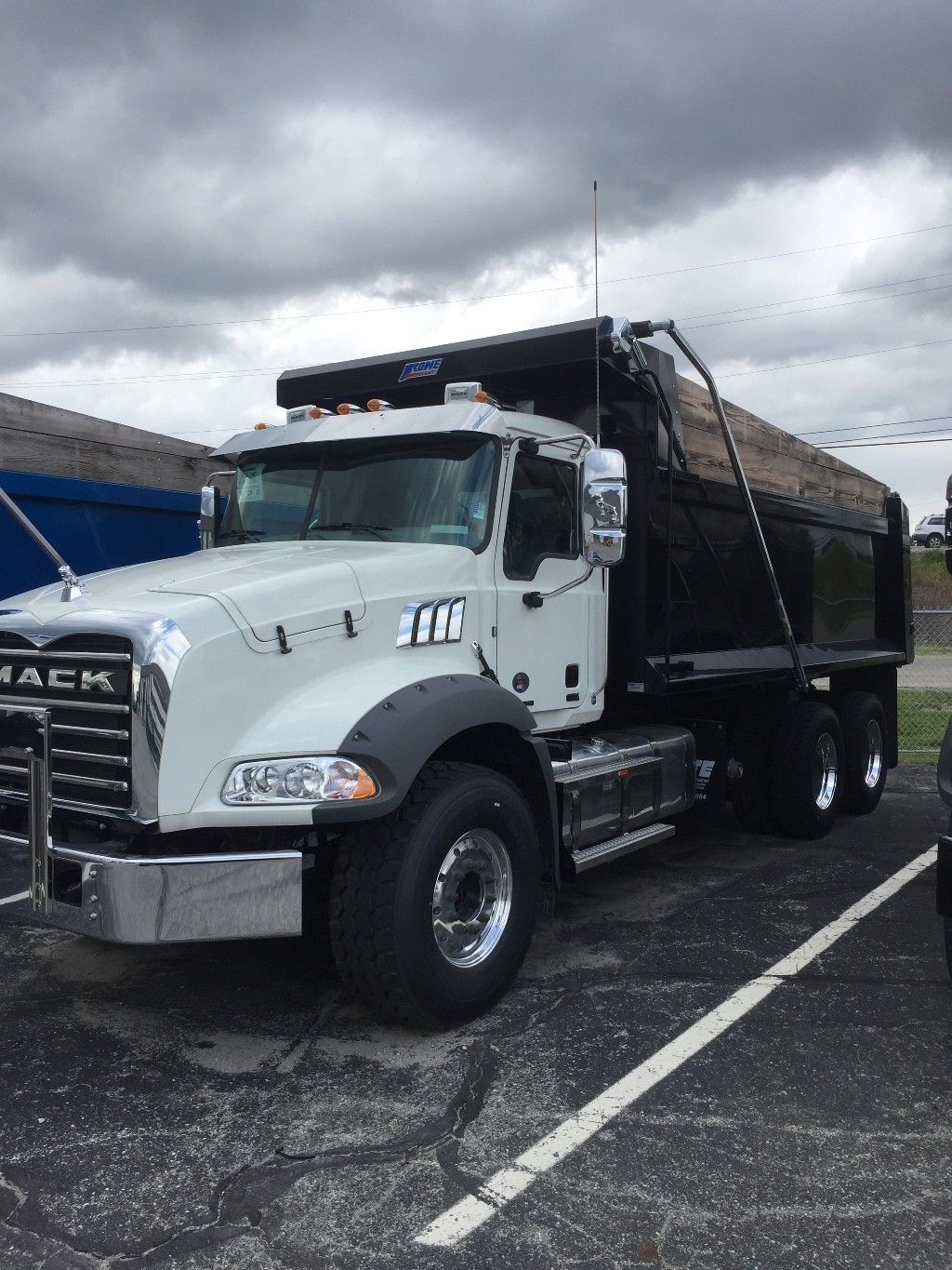 NEW 2019 MACK GR64B TRI-AXLE STEEL DUMP TRUCK #128106