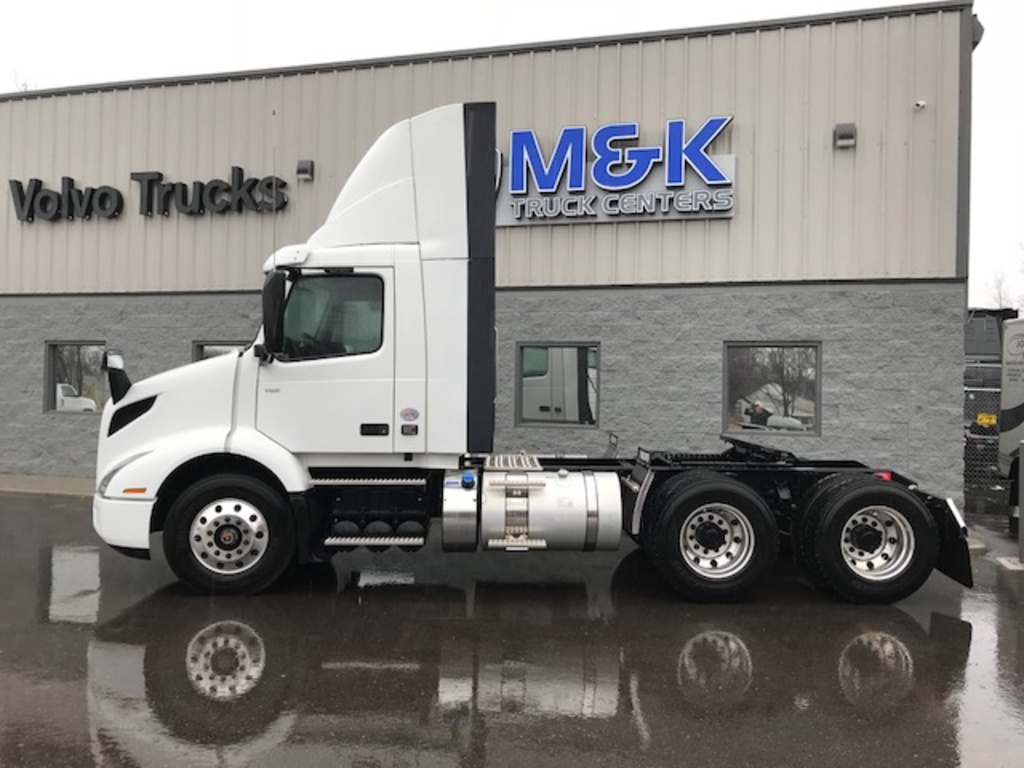 NEW 2019 VOLVO VNR64T300 TANDEM AXLE DAYCAB TRUCK #289748
