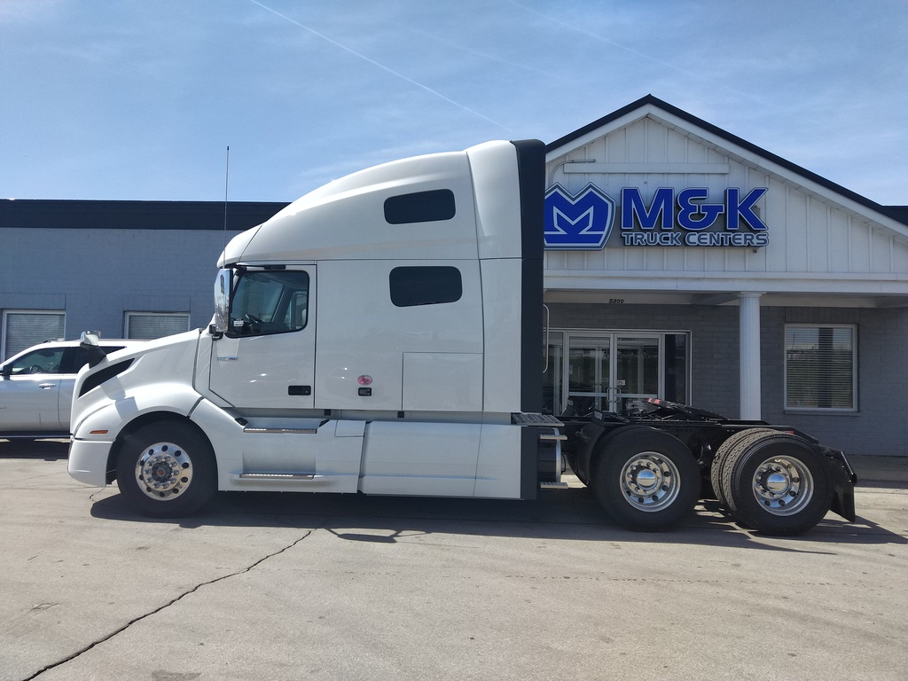 NEW 2019 VOLVO VNL760 TANDEM AXLE SLEEPER TRUCK #289918