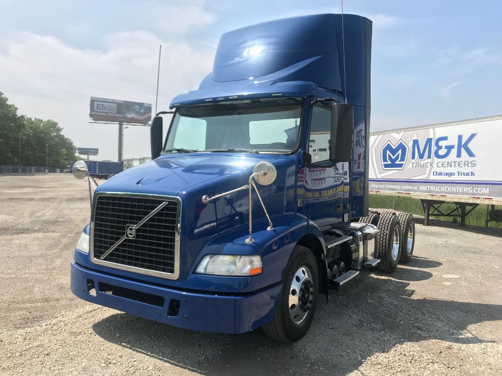 USED 2014 VOLVO VNM64T200 TANDEM AXLE DAYCAB TRUCK #291076