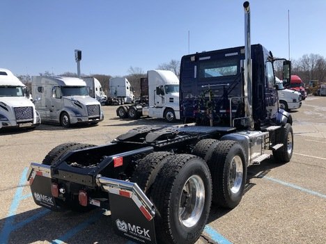 NEW 2020 VOLVO VNL64T300 TANDEM AXLE DAYCAB TRUCK #291284-4