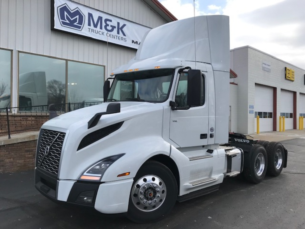 NEW 2019 VOLVO VNL64T300 TANDEM AXLE DAYCAB TRUCK #291740