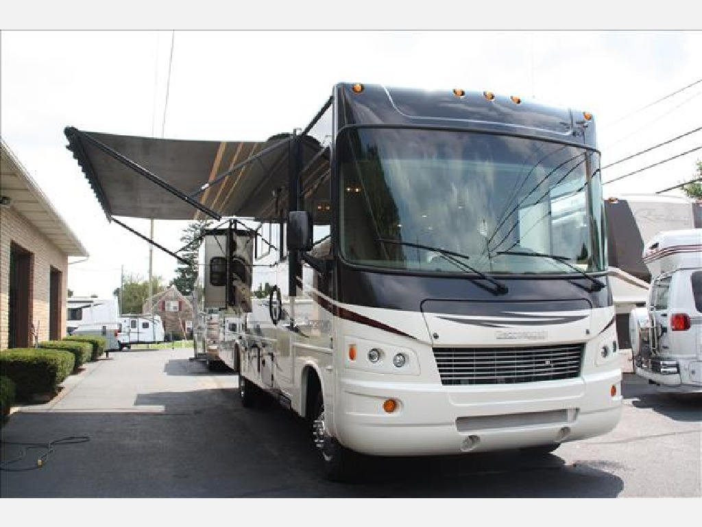 USED 2012 GEORGETOWN 329DS CLASS A GAS RV #1102