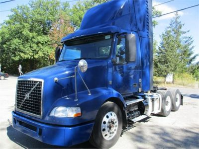 USED 2014 VOLVO VNM64T200 DAYCAB TRUCK #10170-2