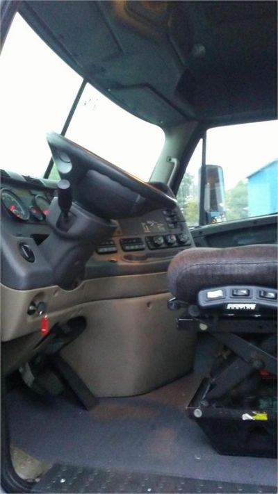 USED 2015 FREIGHTLINER CASCADIA 113 DAYCAB TRUCK #10397-2