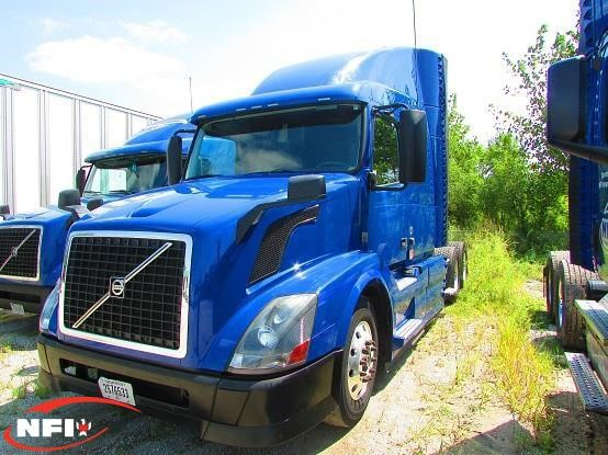 USED 2014 VOLVO VNL64T630 SLEEPER TRUCK #10415