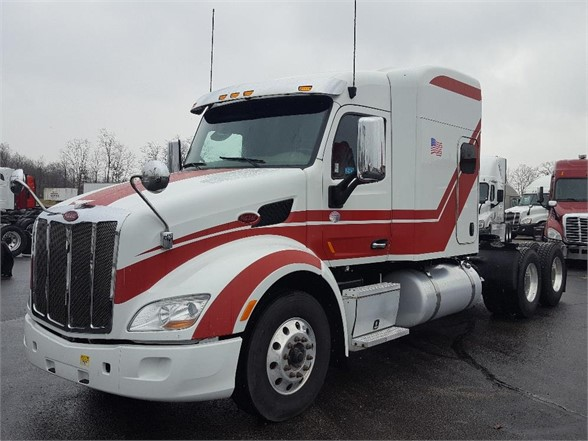 USED 2015 PETERBILT 579 SLEEPER TRUCK #10443