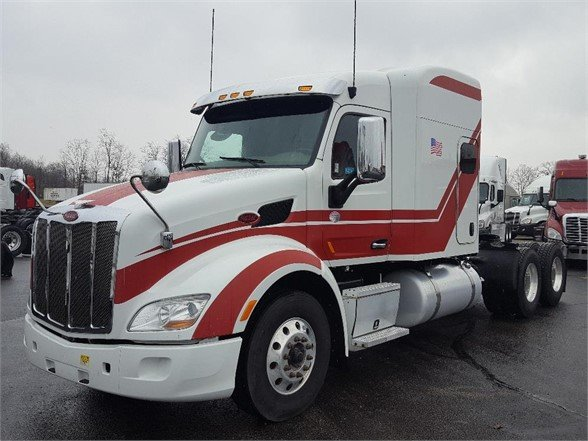 USED 2015 PETERBILT 579 SLEEPER TRUCK #10444