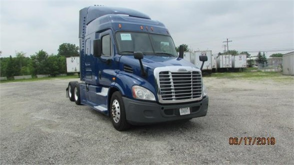 USED 2015 FREIGHTLINER CASCADIA 113 SLEEPER TRUCK #10656