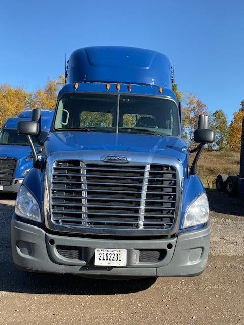 USED 2015 FREIGHTLINER CASCADIA 113 DAYCAB TRUCK #10903