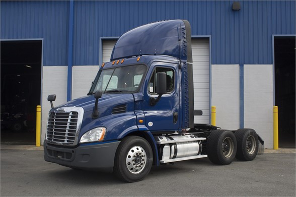 USED 2016 FREIGHTLINER CASCADIA 113 DAYCAB TRUCK #13289