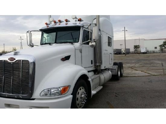 USED 2007 PETERBILT 386 SLEEPER TRUCK #9176