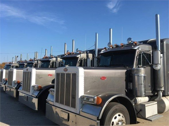 USED 2004 PETERBILT 379 SLEEPER TRUCK #9179