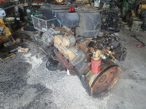 USED CAT 3208 V8 COMPLETE ENGINE TRUCK PARTS #11293-2