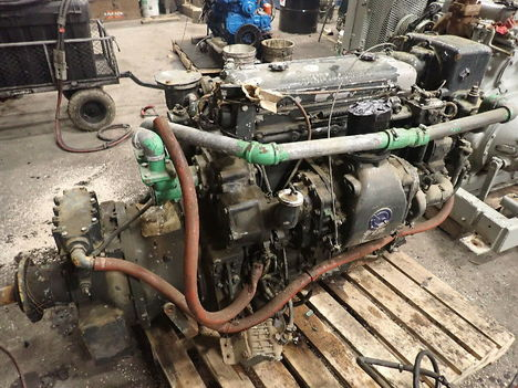 USED DETROIT DIESEL 4-71 COMPLETE ENGINE TRUCK PARTS #11611-3