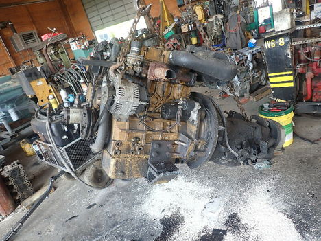 USED CAT C2.2 COMPLETE ENGINE TRUCK PARTS #11835-2