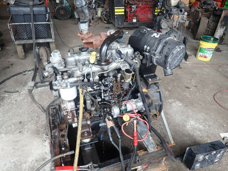 USED ISUZU 4JG1T COMPLETE ENGINE TRUCK PARTS #11862-1