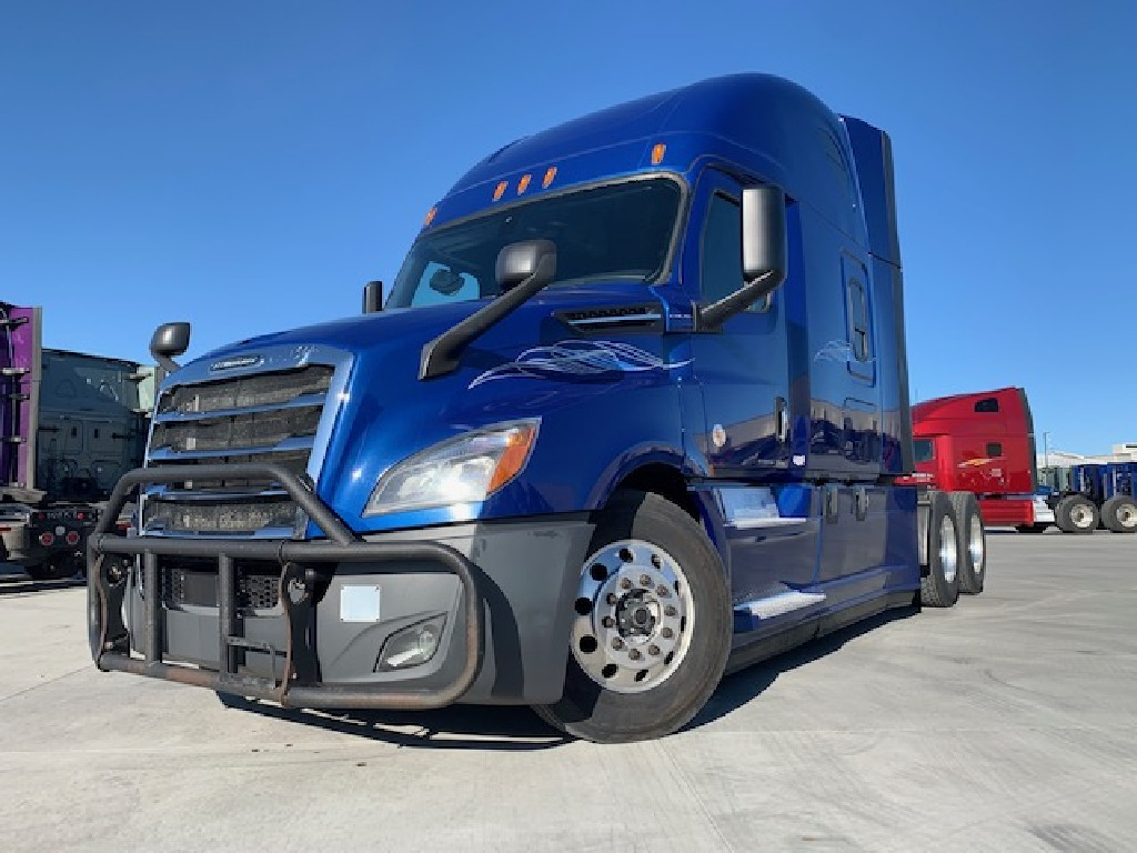 USED 2018 FREIGHTLINER NEW BODY STYLE TANDEM AXLE SLEEPER TRUCK #166832