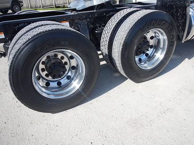 USED 2015 FREIGHTLINER CASCADIA DAY CAB TANDEM AXLE DAYCAB TRUCK #2842-5