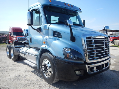 USED 2015 FREIGHTLINER CASCADIA DAY CAB TANDEM AXLE DAYCAB TRUCK #2842-8