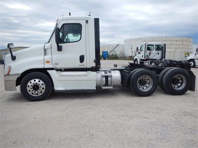 USED 2012 FREIGHTLINER CASCADIA 125 DAYCAB TRUCK #2878-5