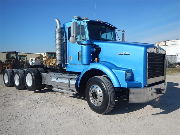 USED 2002 KENWORTH T800 DAYCAB TRUCK #2900