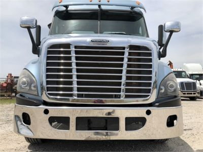 USED 2014 FREIGHTLINER CASCADIA 113 DAYCAB TRUCK #2906-2