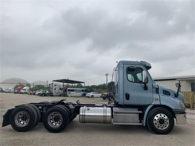 USED 2014 FREIGHTLINER CASCADIA 113 DAYCAB TRUCK #2906-4