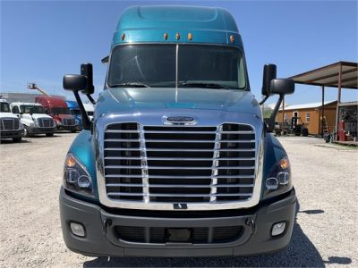 USED 2015 FREIGHTLINER CASCADIA 125 SLEEPER TRUCK #2912-2