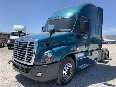 USED 2015 FREIGHTLINER CASCADIA 125 SLEEPER TRUCK #2912-3