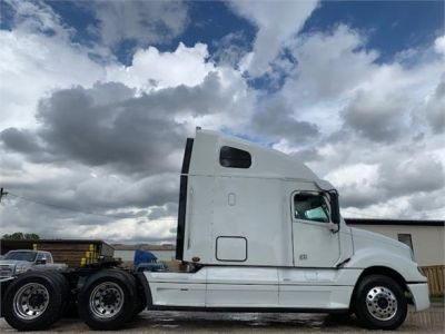 USED 2013 FREIGHTLINER COLUMBIA 120 GLIDER KIT TRUCK #3048-4
