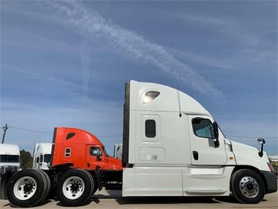 USED 2013 FREIGHTLINER CASCADIA 125 SLEEPER TRUCK #3103-2