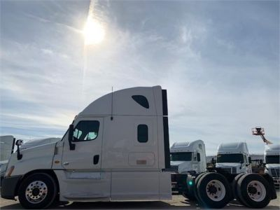 USED 2013 FREIGHTLINER CASCADIA 125 SLEEPER TRUCK #3103-3