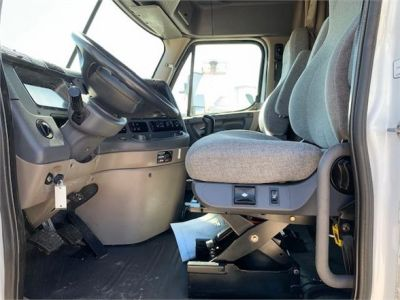 USED 2010 FREIGHTLINER CASCADIA 125 SLEEPER TRUCK #3162-15
