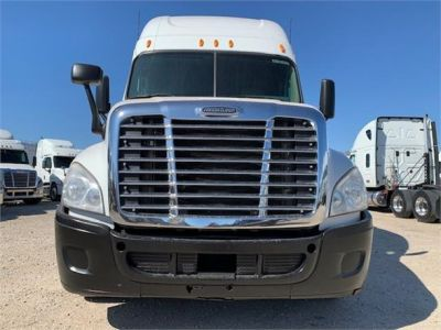 USED 2010 FREIGHTLINER CASCADIA 125 SLEEPER TRUCK #3162-2