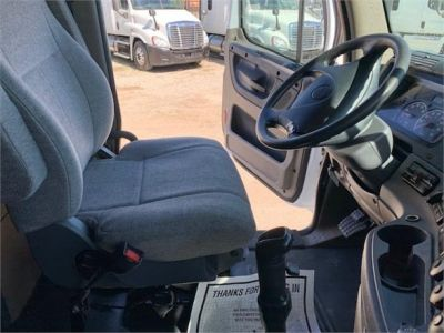 USED 2010 FREIGHTLINER CASCADIA 125 SLEEPER TRUCK #3162-29